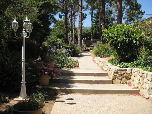 Beach-restaurants-shopping-Montecito-Santa Barbara