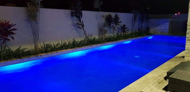 Luxury Condominium by the beach in Wailoaloa