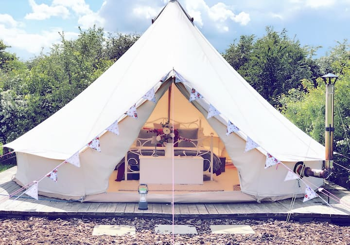 *Glamping* Furnished Bell Tent ||