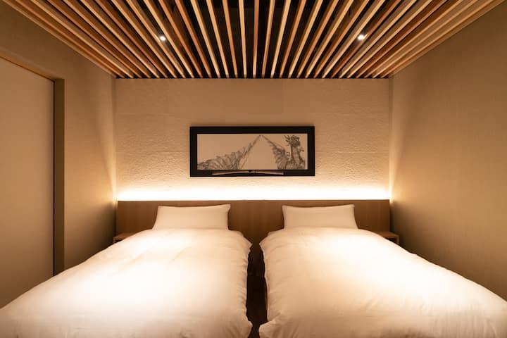 山口|萩 hotel 168ー萩城下の港町として栄えた浜崎町に残る築200年の海産物問屋の蔵の宿