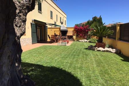 Casa unifamiliar con piscina - L'Armentera