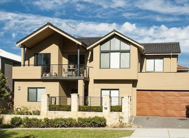 Modern 4 x 3 house in Scarbough opposite park