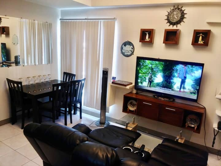 2BR Condo Quezon City w/Swimming Pool,WiFi,Netflix
