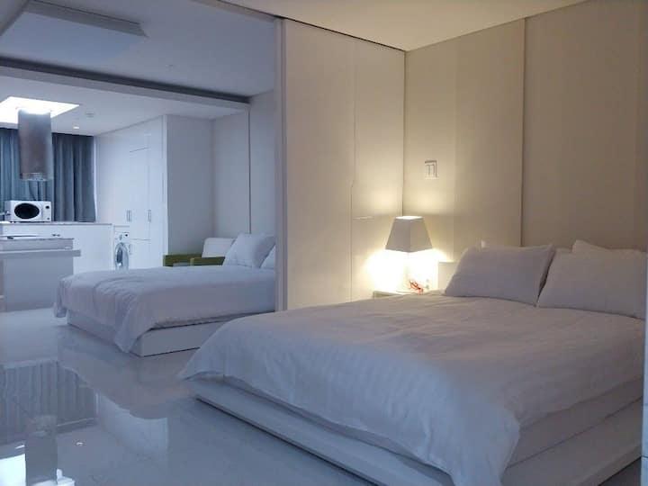 제주 오션팰리스 ocean palace hotel(올레시장, 이중섭 거리 도보 5분)