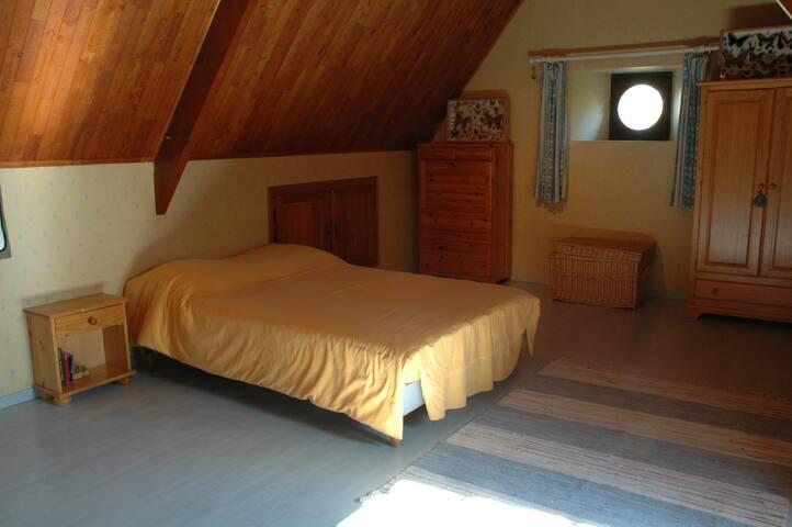 Bed room 2 p (160 x200)