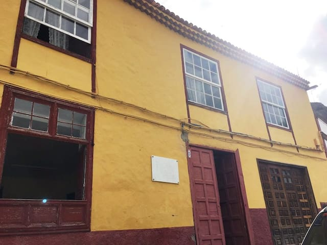 Charming traditional house San Juan de la Rambla