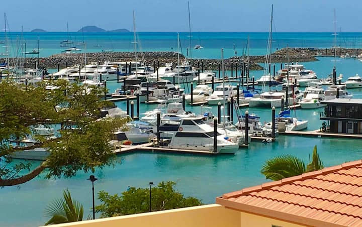Best Marina View | Romantic Getaway | Airlie Beach