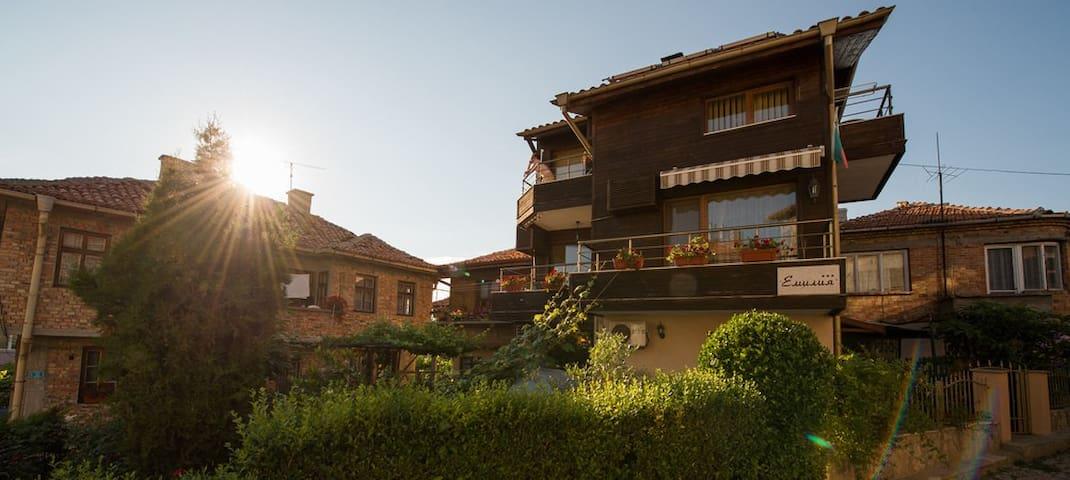 Уютен семеен хотел, чудесен за семейна почивка!