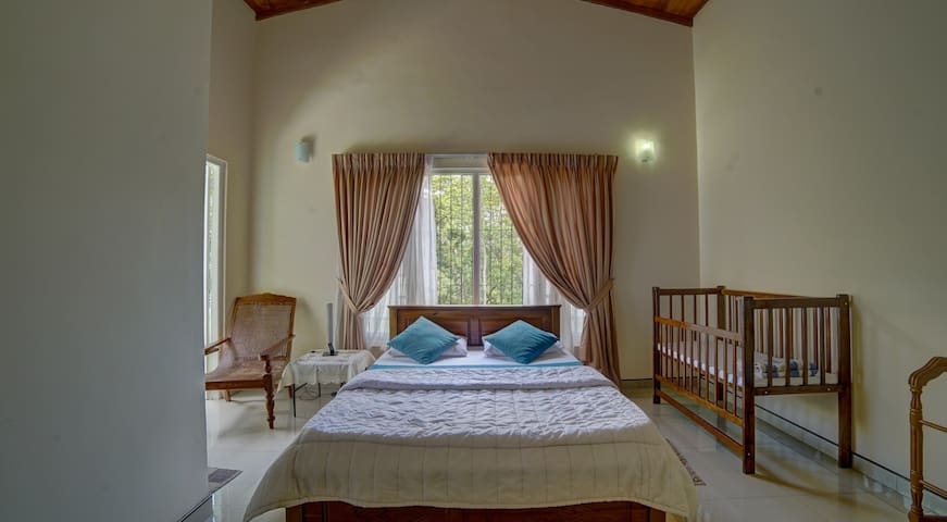 Hanthana Holiday Rooms - Deluxe Double Room