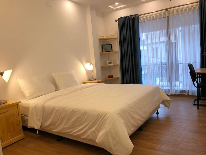 SERENITY PLACE - King bed with Balcony