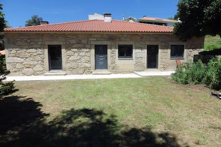 Casa Ermida - Facha - Talo