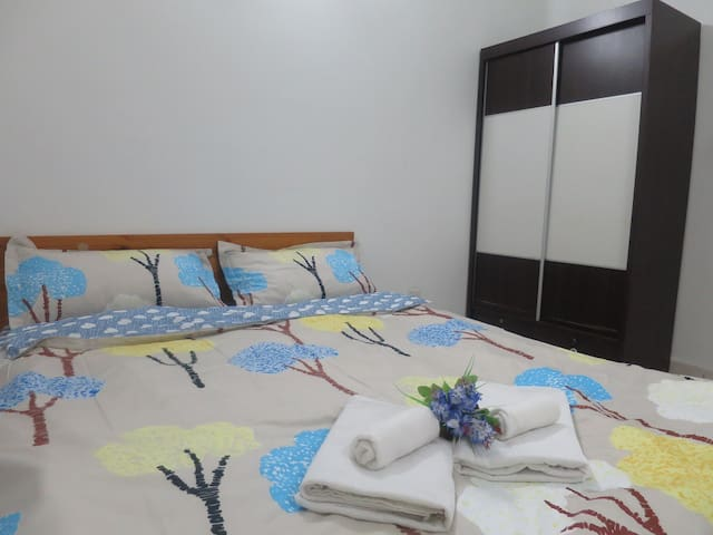 {TT}Welcoming & Cozy Condo Room- 2 (Medium Room) - Puchong - Condomínio