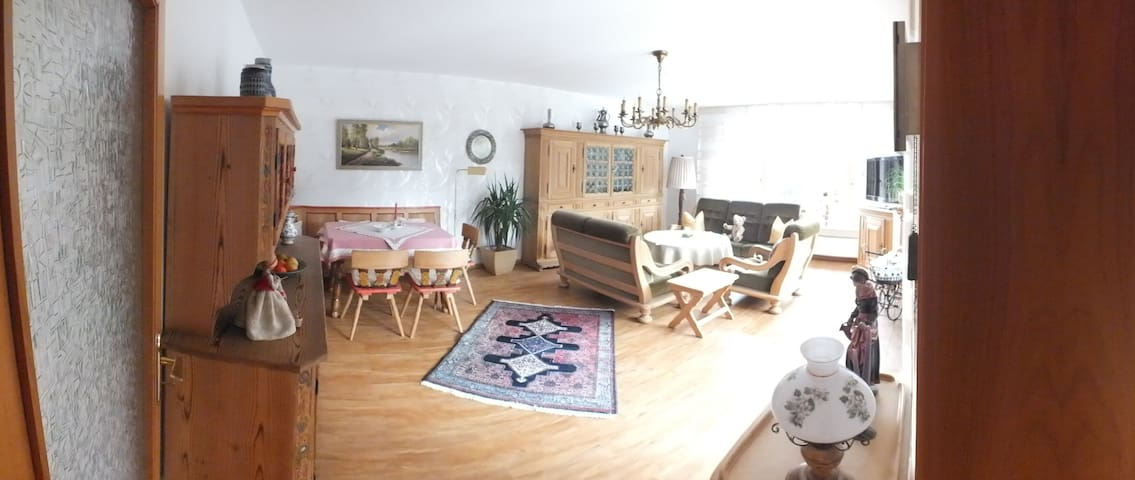 Ferienwohnung liebevoll eingerichtet - Schwabach - Apartamento