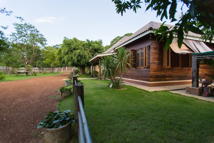 LX9 Cottage | A peaceful Lanna Contemporary Home