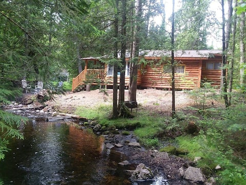 Authentic Log Cabin in the Woods awaits