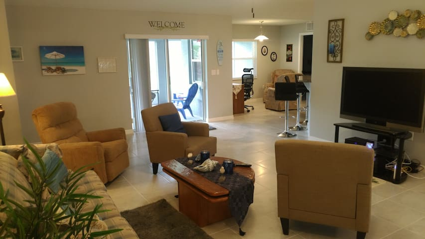Brand New 4 BR/2 BA House 5 Miles from Beach