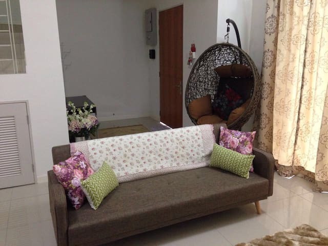 Kasia Green Double Storey Homestay - Nilai