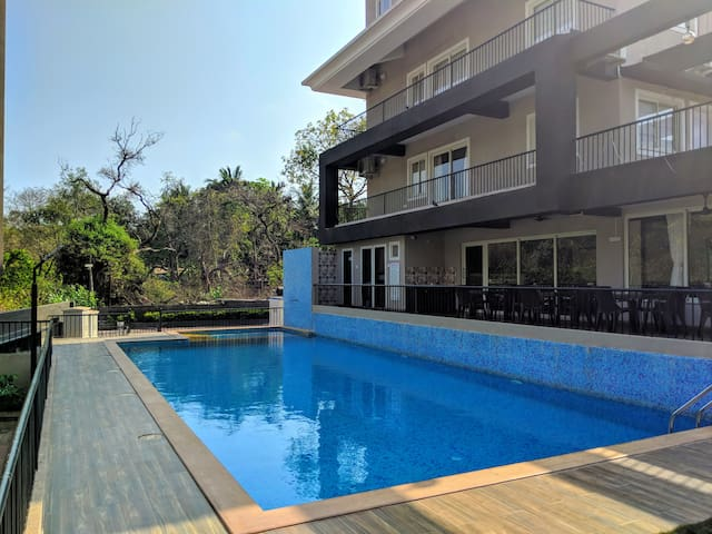Spacious 2BHK Apartment with Pool Anjuna - Vagator