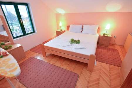 Comfort 1BD Apartment with Terrace and SEA view - Tivat - Byt