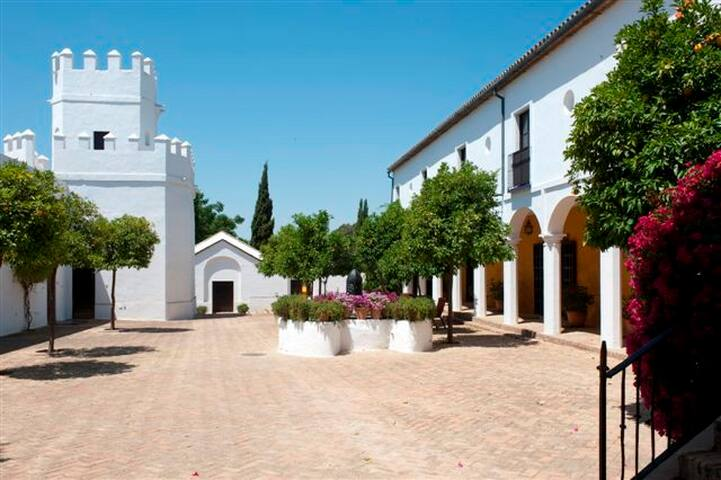 Cortijo of 13th century. A Paradise in the South