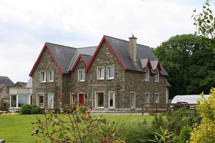 Lakehouse Bed and Breakfast - Dunmanway