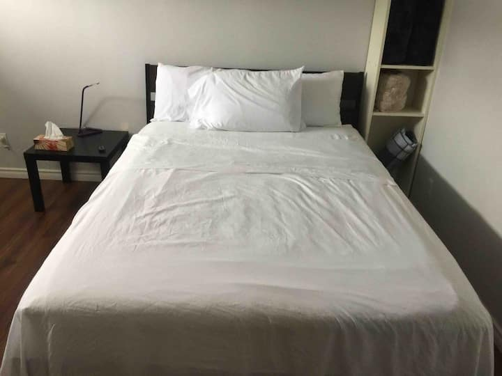 Entire private basemnt with 1 bedroom+2 pakin spot