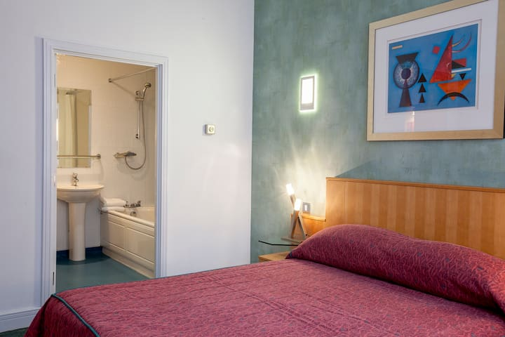 Private En-Suite To All Bedrooms