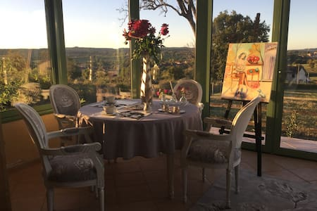 REPOS   EN   CHAROLAIS - Viry - Bed & Breakfast