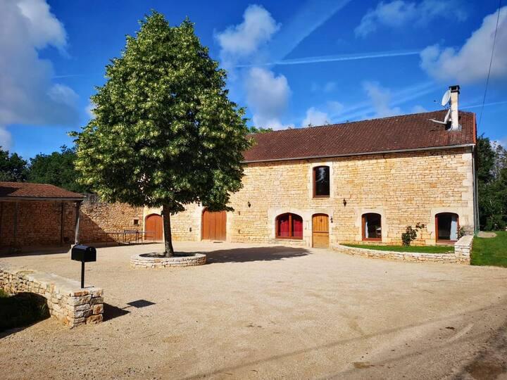 La Grange En Pierre at Occitanie