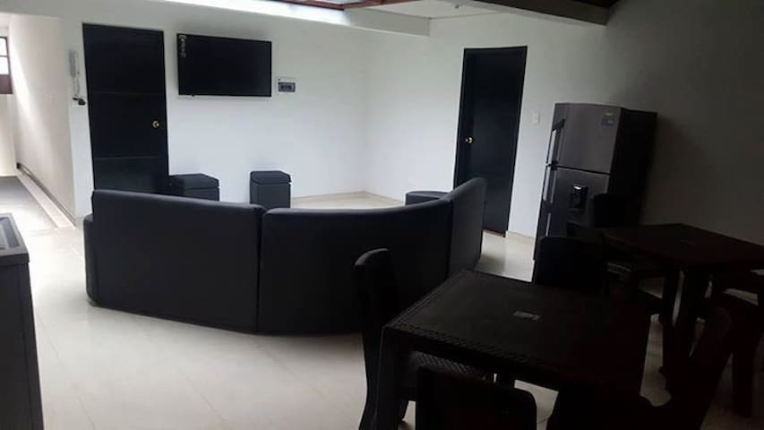 Hostel at 100 mtrs Universidad Santo Tomas (centro
