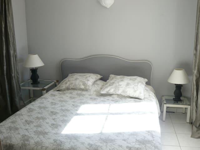chambre lit 160