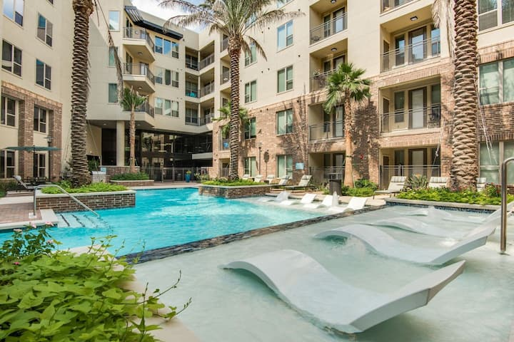 HarlowStays   1BR @ The Memorial West   1