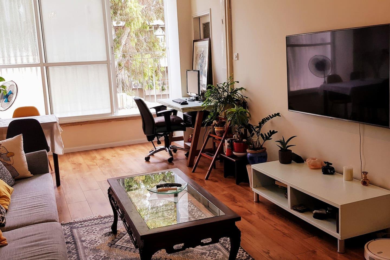 Living room overlooking Simta Plonit St.