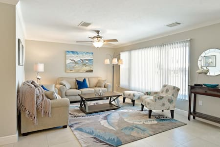 3 BR 2B Canal Home Boater's Paradise