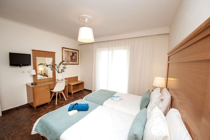 Peridis Holiday Home, Small Family or Couple 1