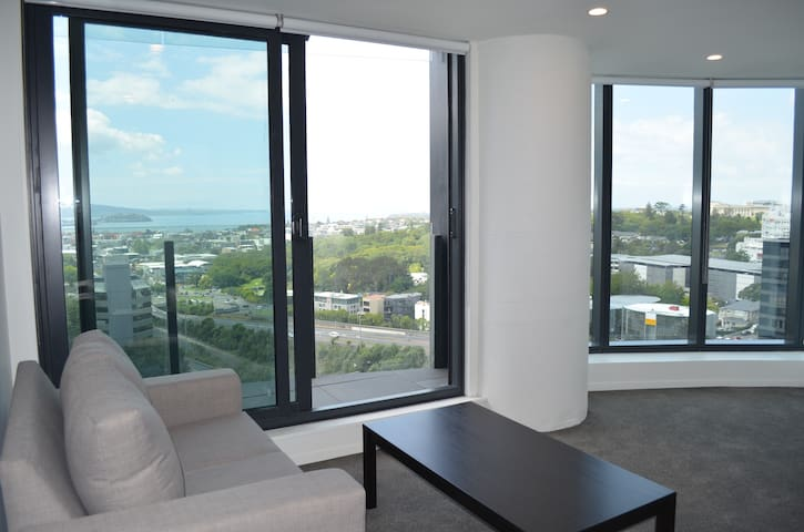Fantastic Two Bedroom Apartment with a seaview! - Auckland - Apartment