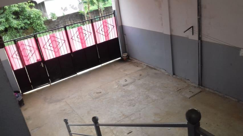 """Appartements et Studios """"TOITA"""" - Douala - Flat"""