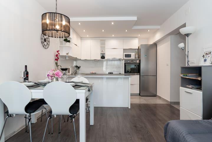 Luxury apartment Dora
