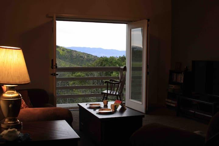 Calabasas Mountain Retreat Guest Suite