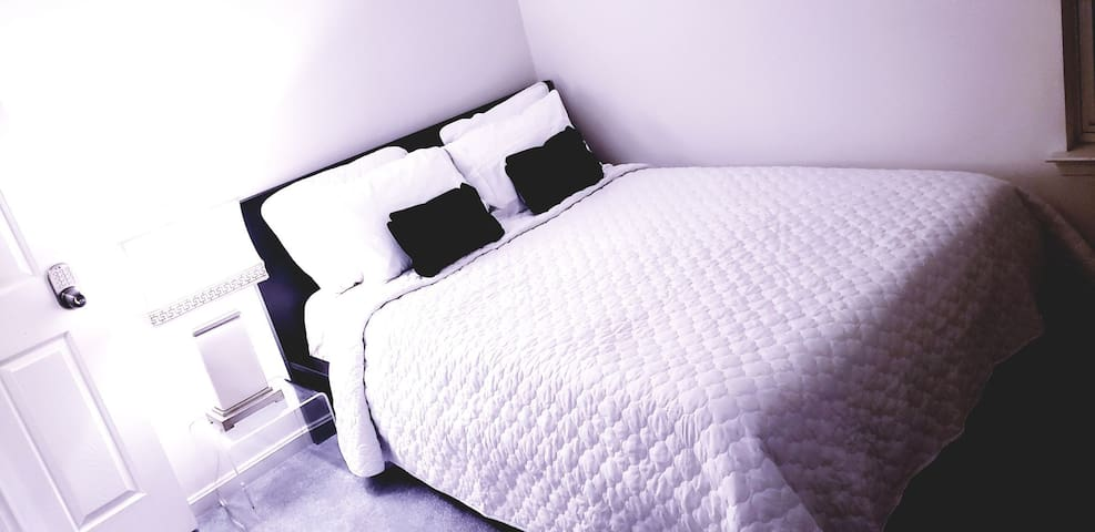 DC, Maryland, VA local room - Queen Bed
