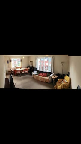Ensuite Room (with a Kingsize Bed) - Knowle, Fareham - Leilighet
