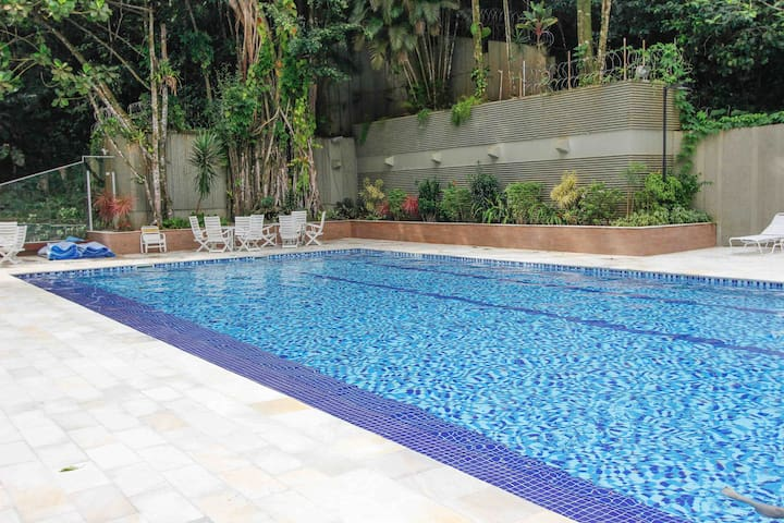 Apartment 150 meters from the beach with heated pool and sauna