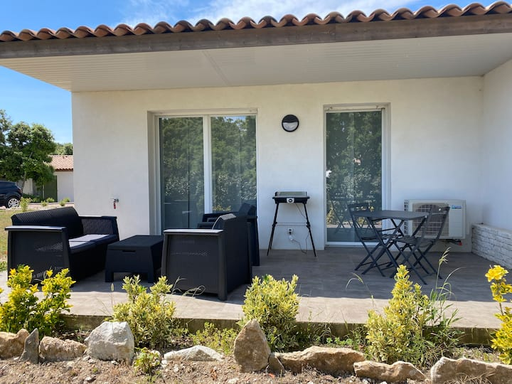 Bonifacio : mini Villa à louer (2) avec piscine