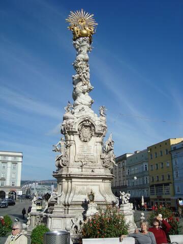 Main Square (walking distance)