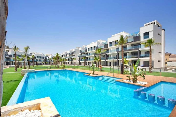 GROUNDFLOOR APARTMENT EL RASO OASIS BEACH 69