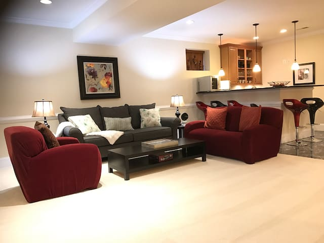 Luxury Huge Furnished  2 bedroom close to D.C. - Annandale - Apartament