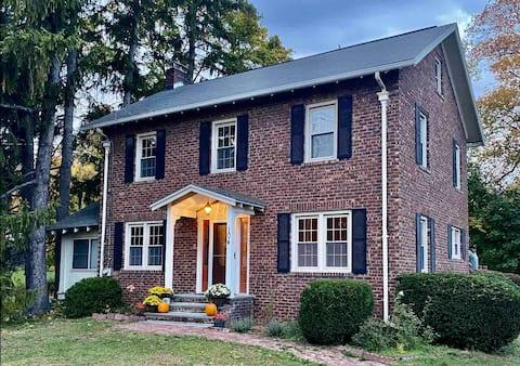 Comfortable Brick Home in Saugerties/Malden 3BR