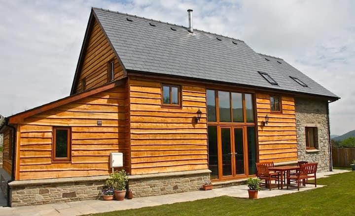 Dan-yr-Eglwys Holiday Cottage
