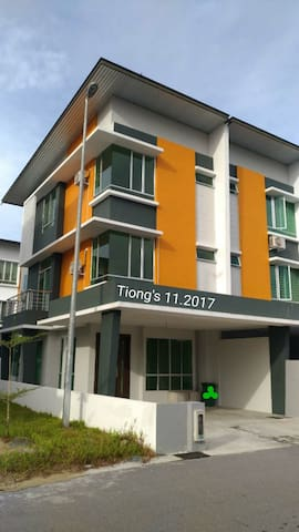 Tiong's Homestay 5f-gated Sibu special Rm299.00