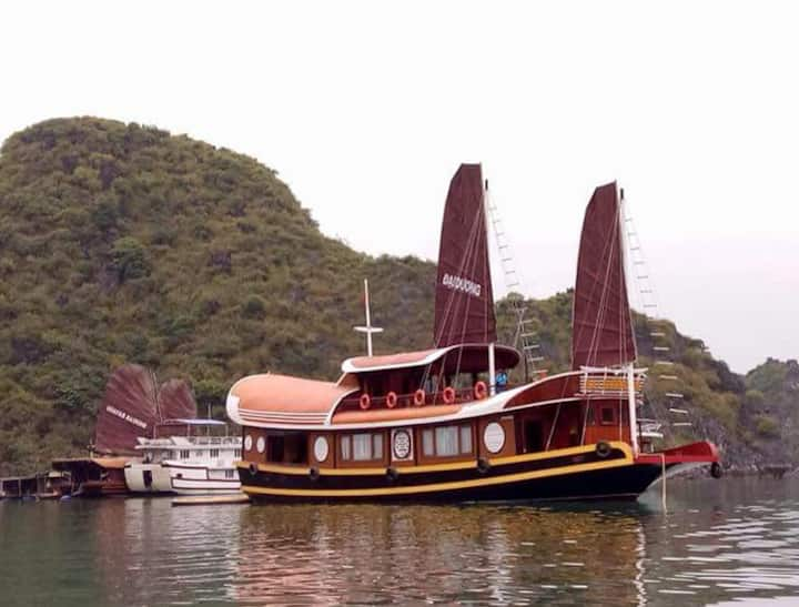 Private 7 cabins cruise Halong bay